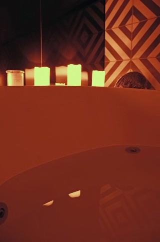 spa n candles closeup2